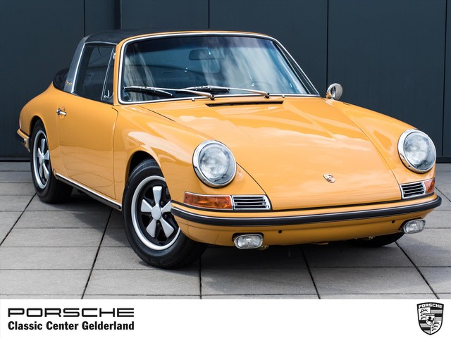 Porsche 911 S Targa Softwindow